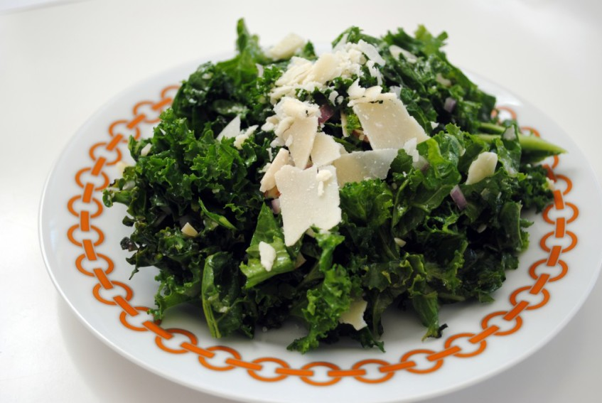 kale almond salad