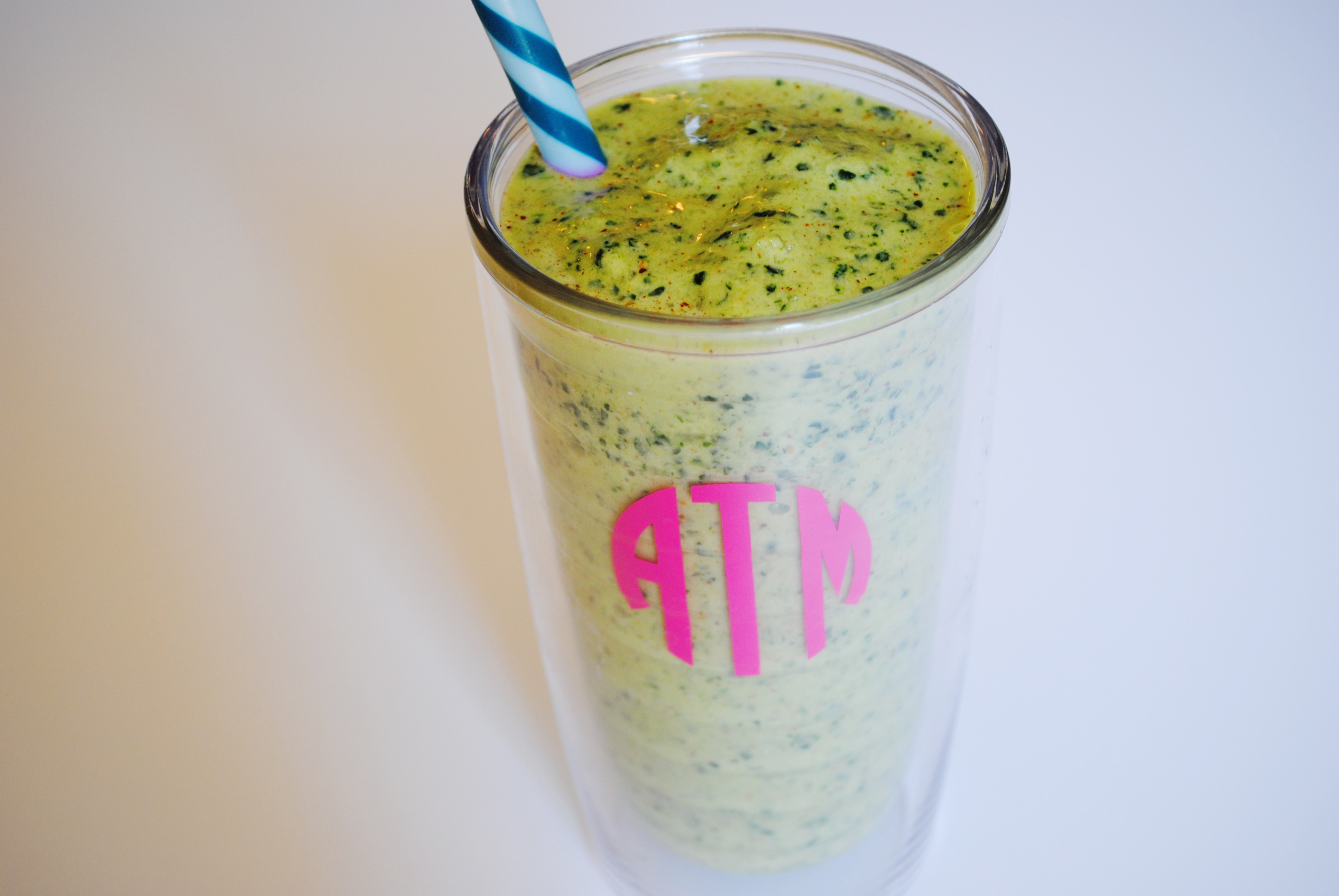 Tuesday Eats: Green Monster Smoothie - Turquoise and Teale