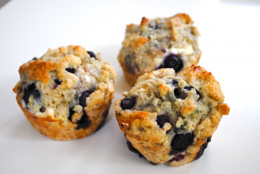 blueberry lemon cheesecake muffins