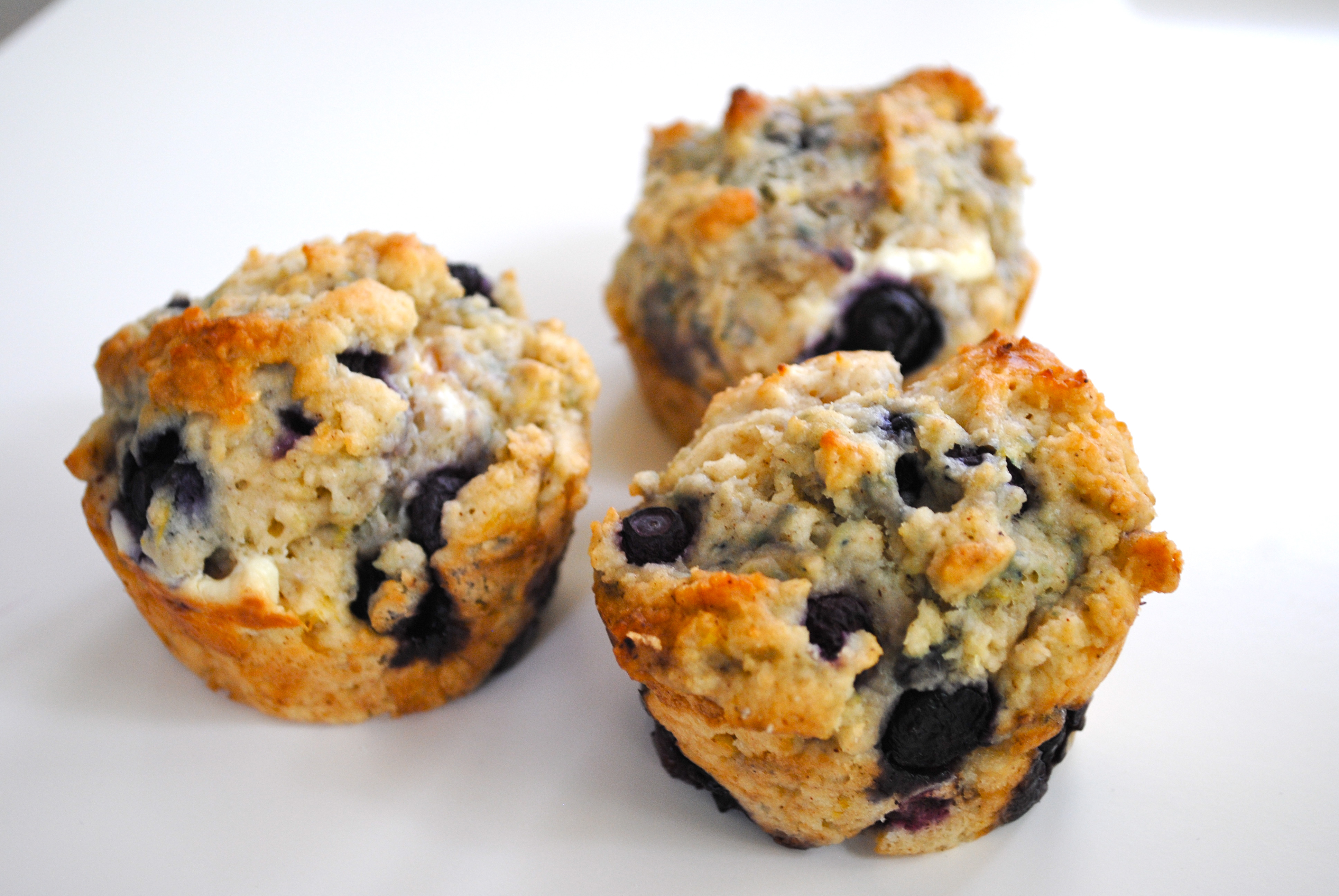 Tuesday Eats: Blueberry Lemon Cream Cheese Muffins - Turquoise and ...