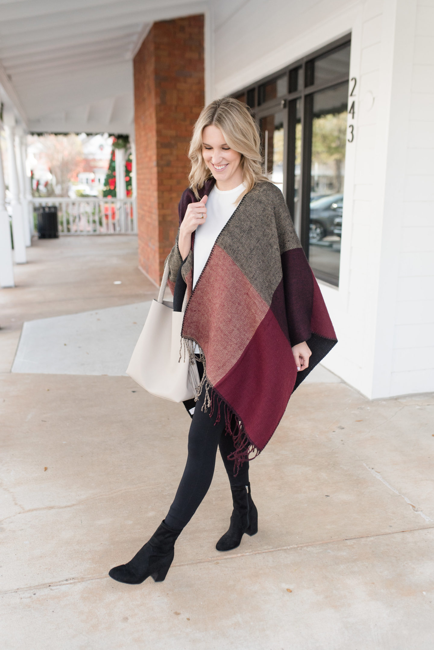 Poncho Outfit Idea / Turquoise and Teale