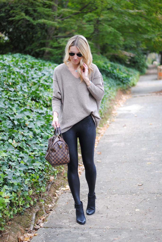 How to Wear Legging Faux Leather